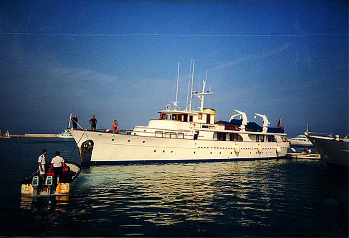 Candida yacht in Antibes