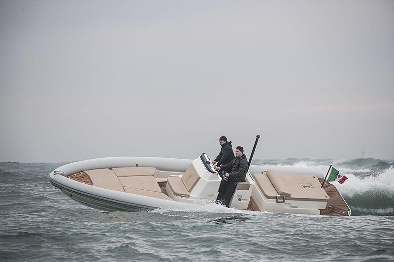 LEVI PMP 8PUNTO5 tender Levi Boats & Ribs