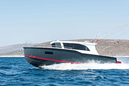 DROMEAS D33 HT tender Dromeas Yachts