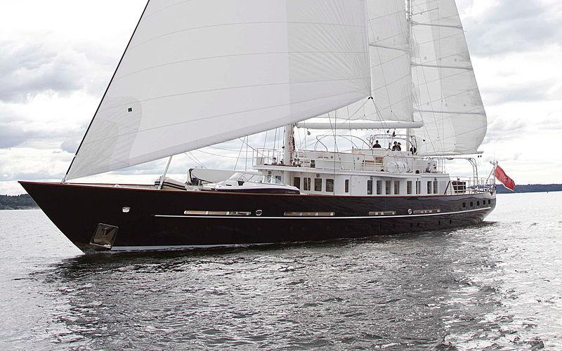 Sunny Hill sailing yacht