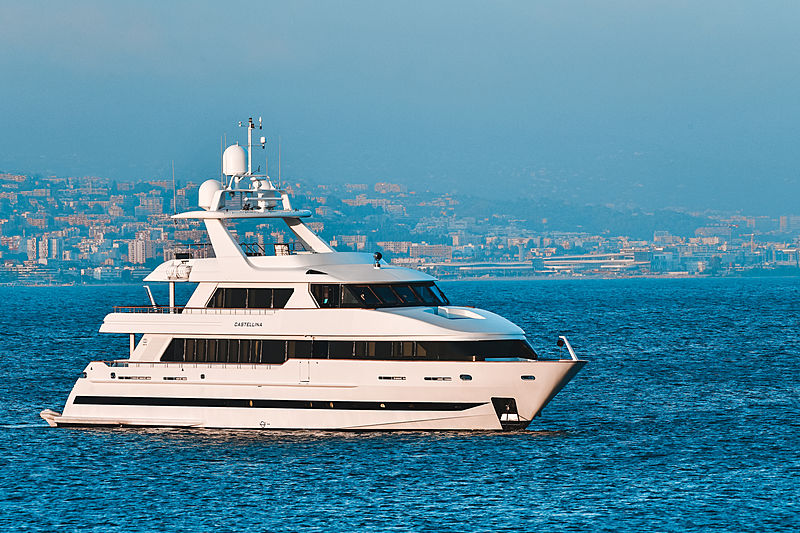 Castellina yacht by Moonen at anchor
