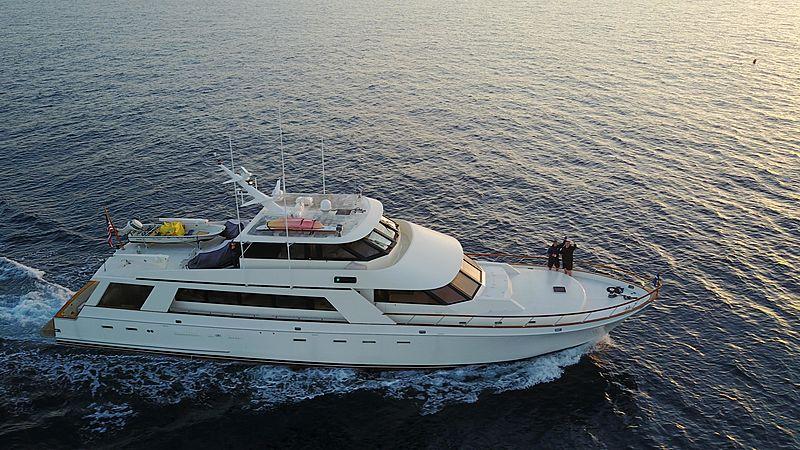Dun Diggin yacht cruising