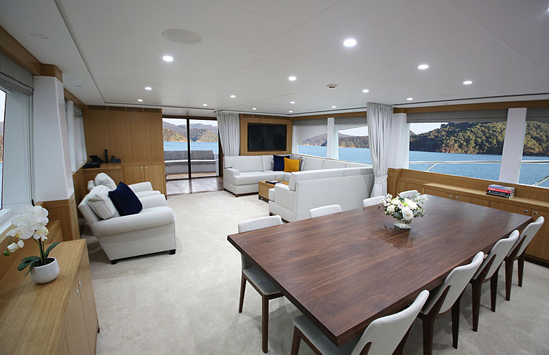 Al Duhail yacht saloon