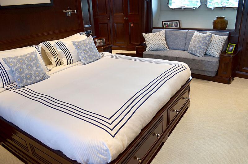 Koo yacht stateroom