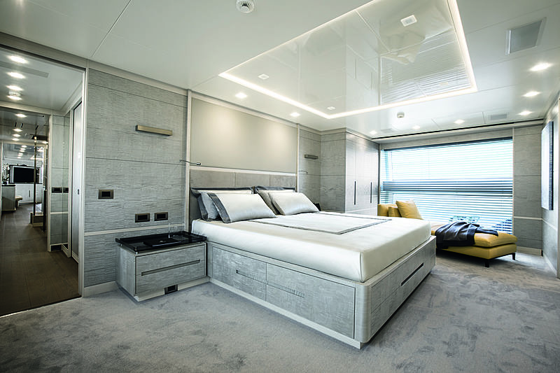 Lejos 3 yacht stateroom