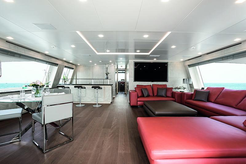 Lejos 3 yacht saloon