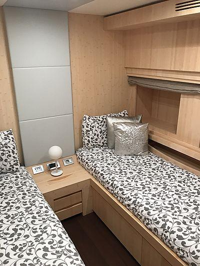 Reveil yacht stateroom