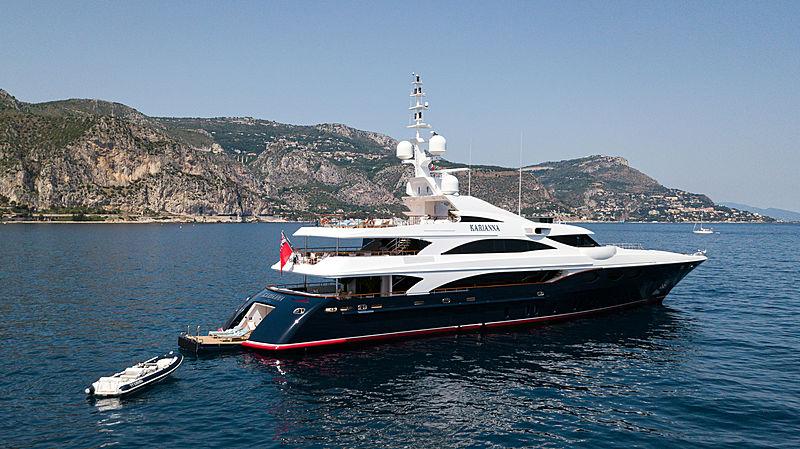 Karianna yacht anchored