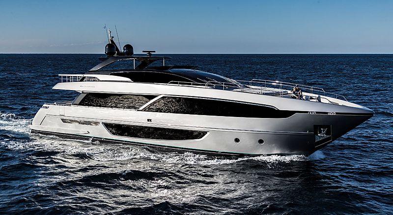 Riva 100 Corsaro yacht cruising