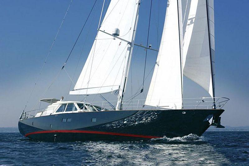VERA IV yacht Royal Denship