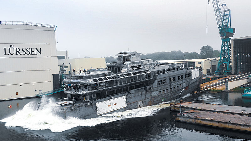 90m+ Lürssen hull launch in Rendsburg