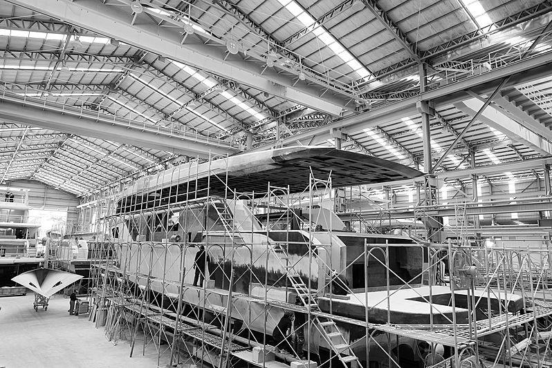 Horizon CC98 yacht in build