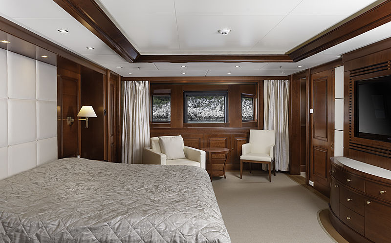 Follow Me V yacht owner's cabin