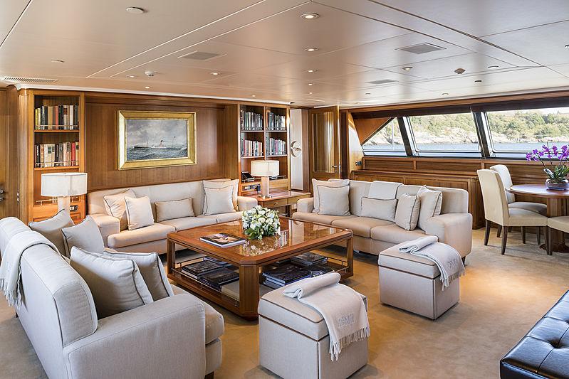 Zenji yacht interior