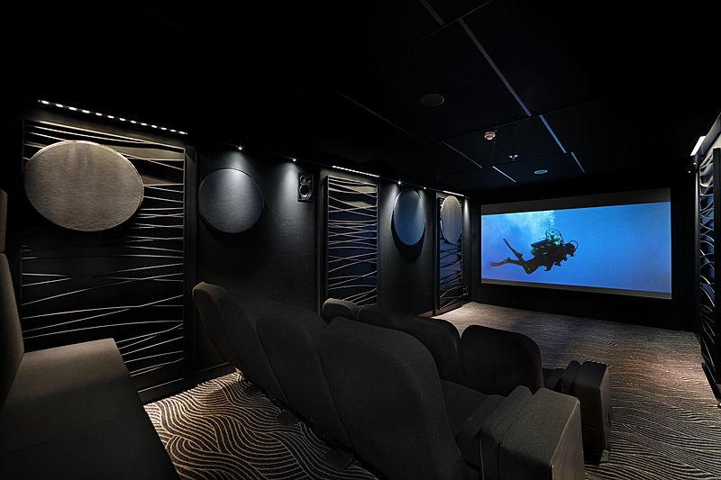 Yersin yacht interior