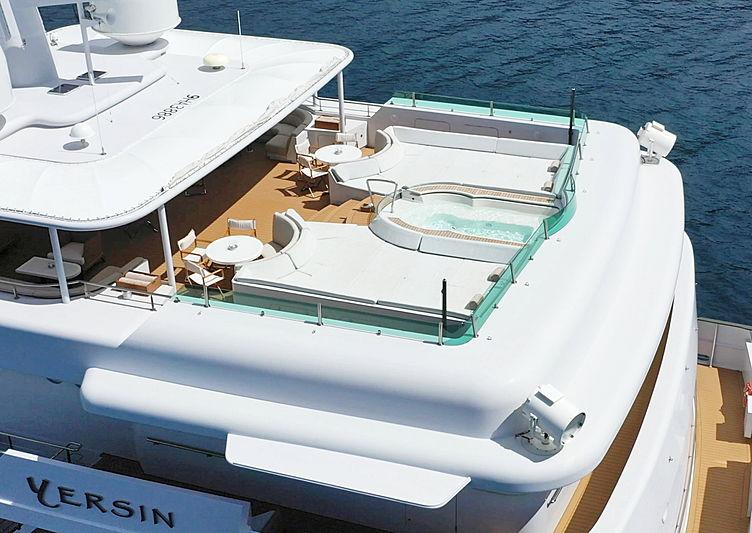 Yersin yacht deck