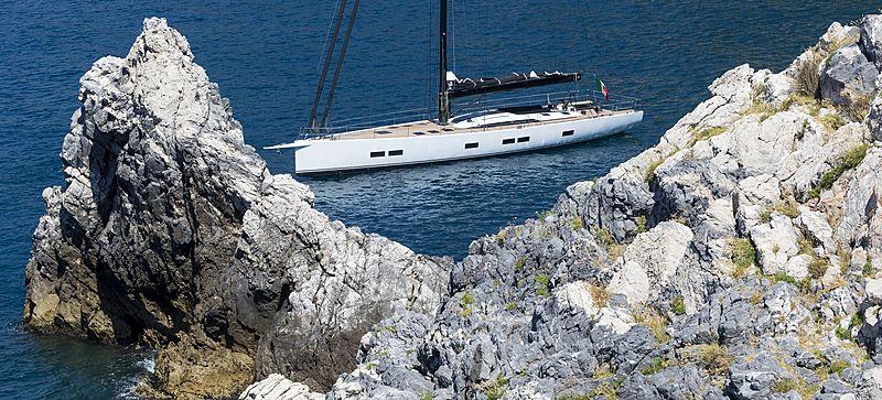EGI4 yacht anchored