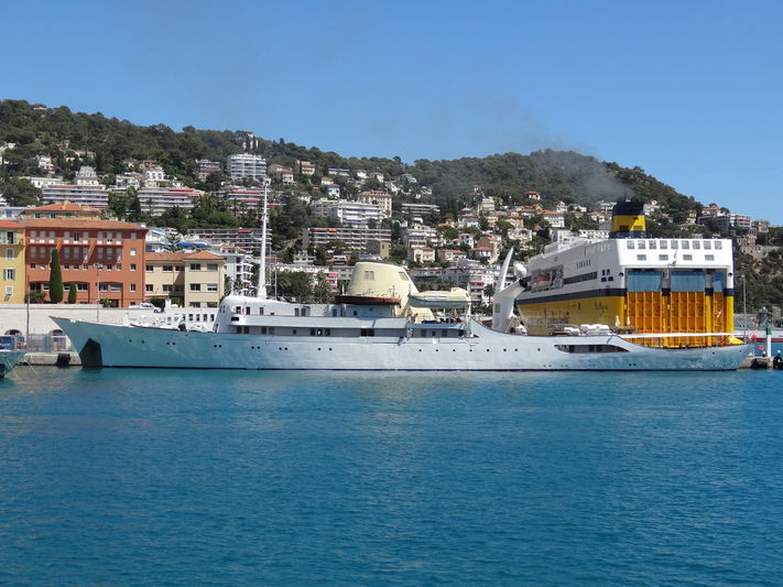 Christina O yacht in Nice