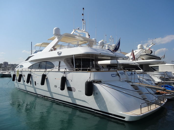 CRISTALES yacht Azimut