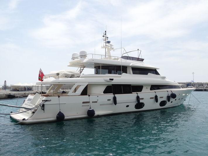 DARTISTE 7 yacht Custom Line