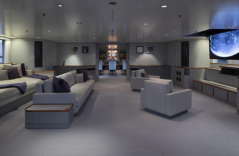 Skat yacht main saloon