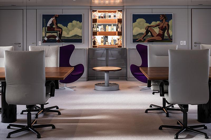Skat yacht main dining salon