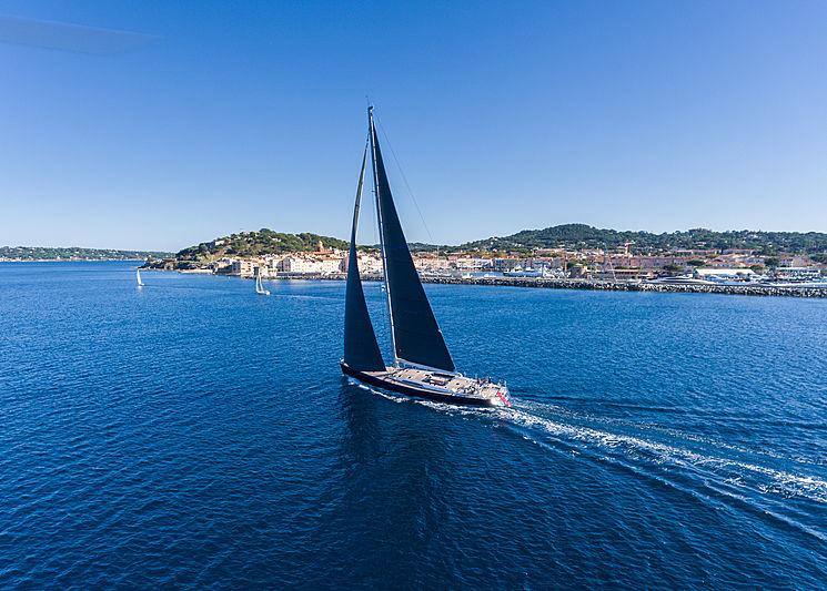 Blues yacht sailing