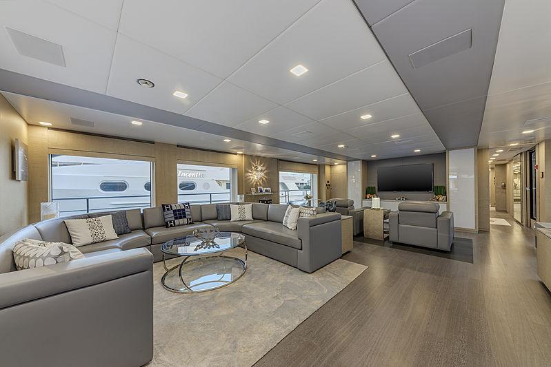 H yacht interior