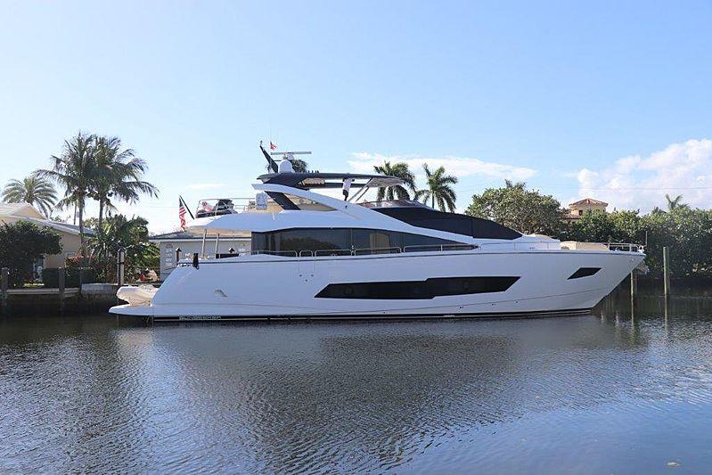 Dolce Vita yacht docked