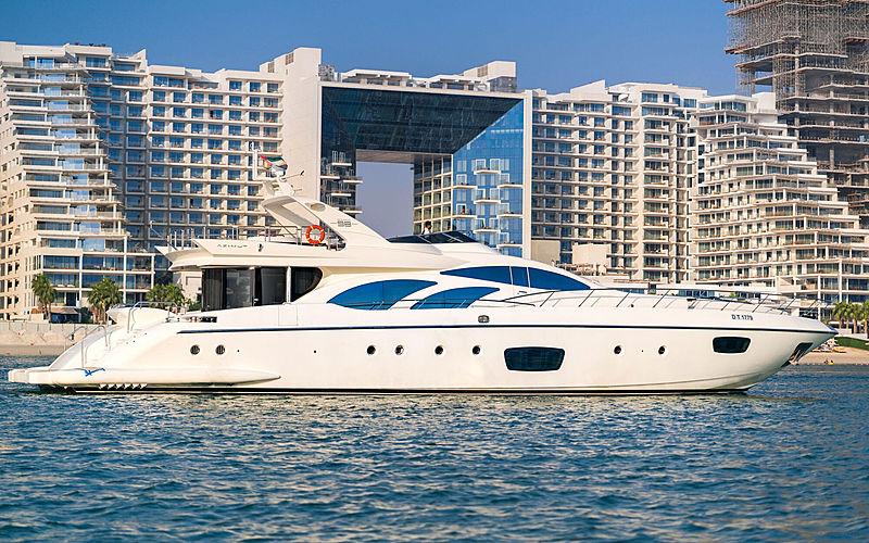 FIVE yacht Azimut
