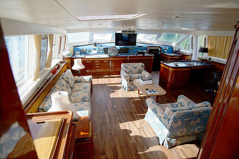Marlin Del Rey V yacht interior