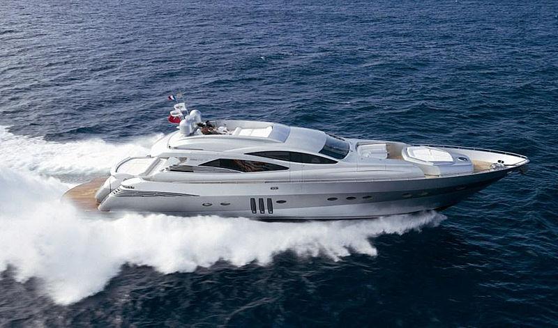 MM Yacht cruising