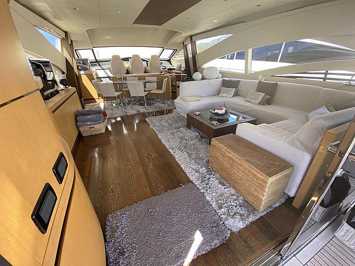 MM Yacht saloon