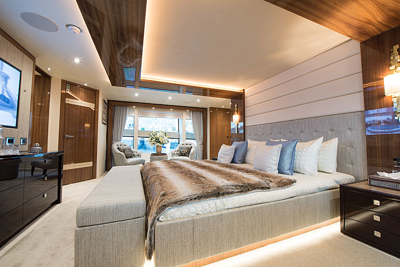 ZOZO yacht master stateroom