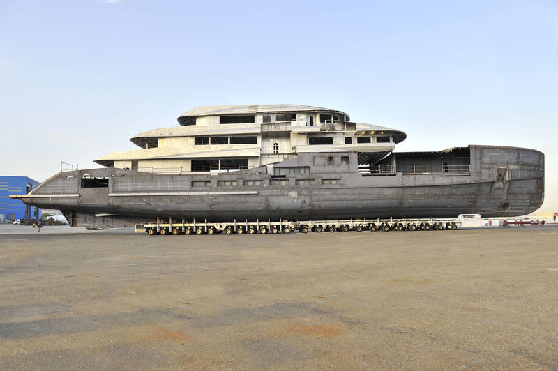 Benetti FB273 hull and superstructure