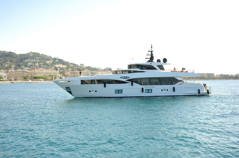MIA yacht Gulf Craft