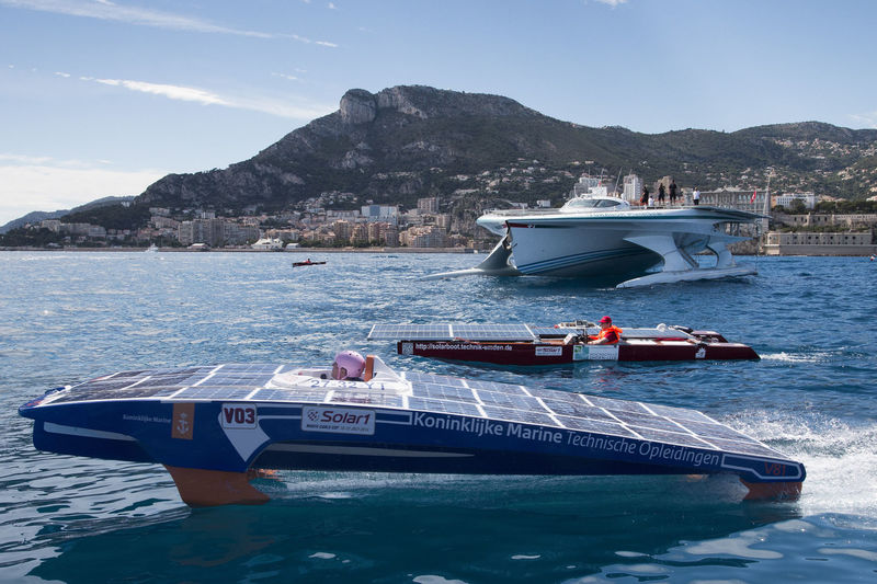Competing boats in the Solar Cup