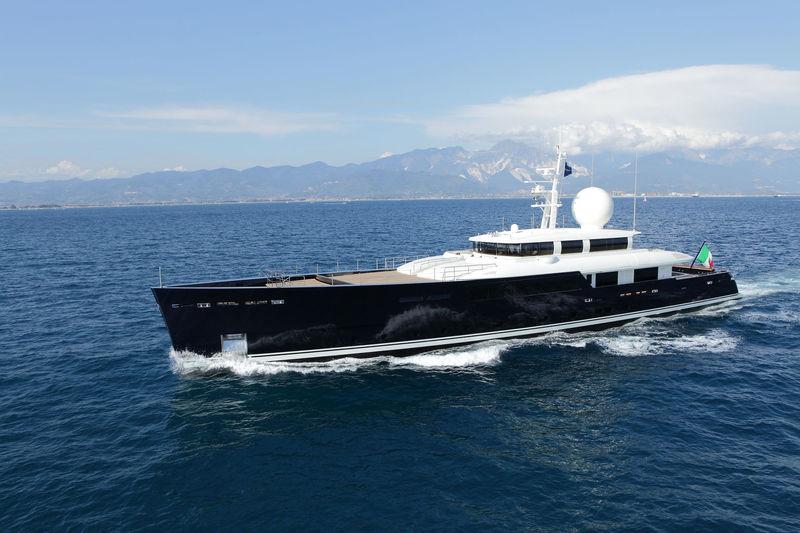 GALILEO G yacht Perini Navi