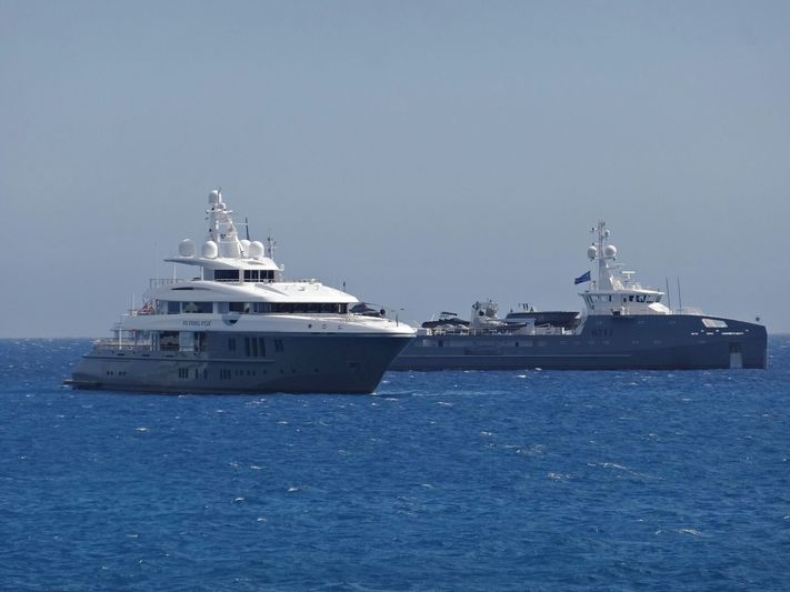 Flying Fox and 6711 off Antibes