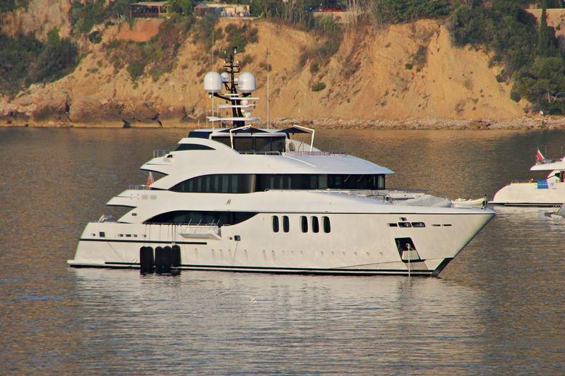 ALEXANDER AGAIN yacht Mondomarine