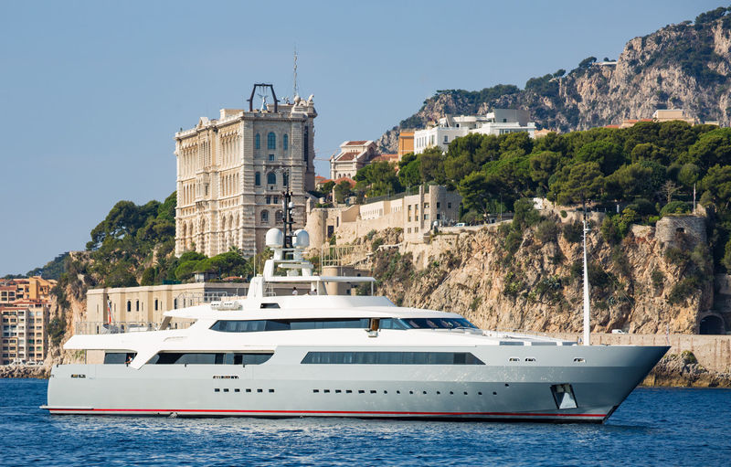 Vicky entering the port of Monaco