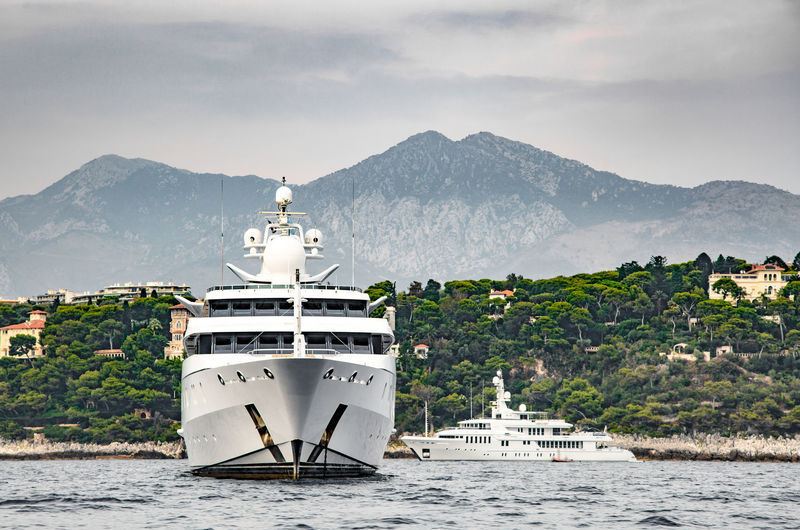 Indian Empress on the French Riviera