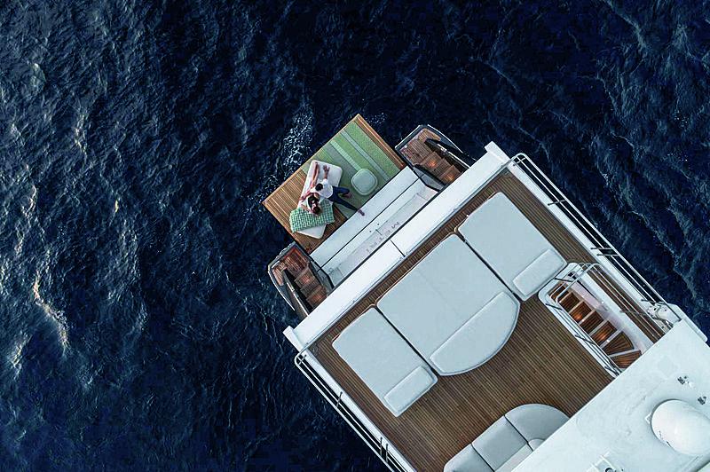 R.Darenben yacht aerial