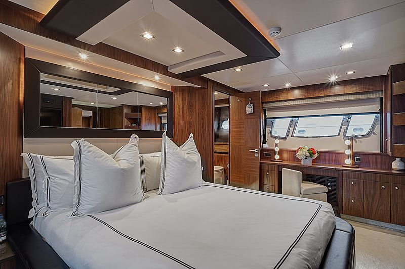 Forward Unlimited yacht stateroom