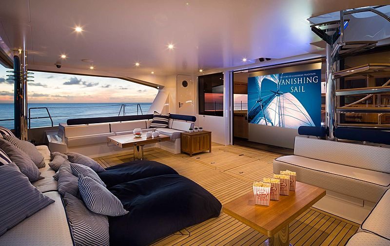 Windquest sailing yacht
