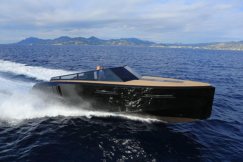 EVO R4 tender Evo Yachts