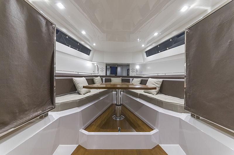 Evo R4 WA tender interior