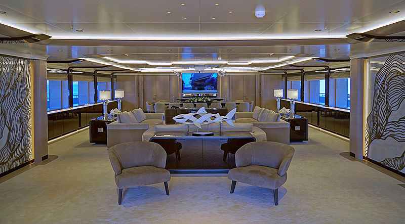 O'Pari yacht saloon