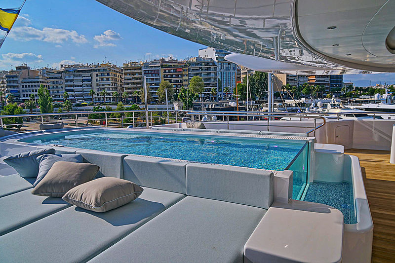 O'Pari yacht swimming pool