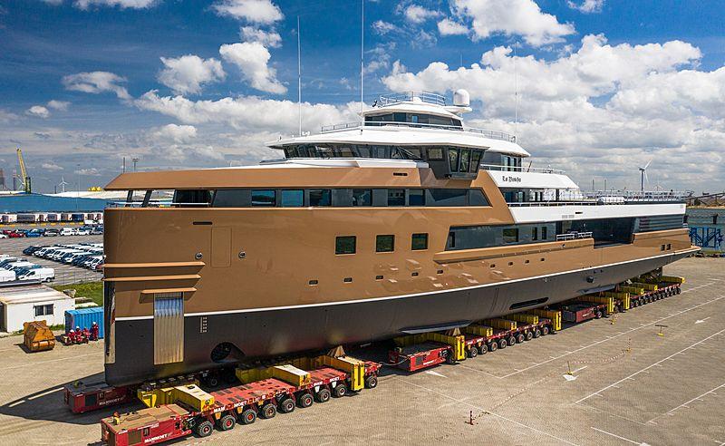 La Datcha launch at Damen Yachting